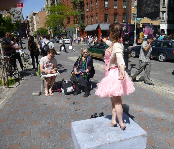 Minerva, Model (Elizabeth Hellman), and Artist Demonstrate in Petrosino Square Plaza